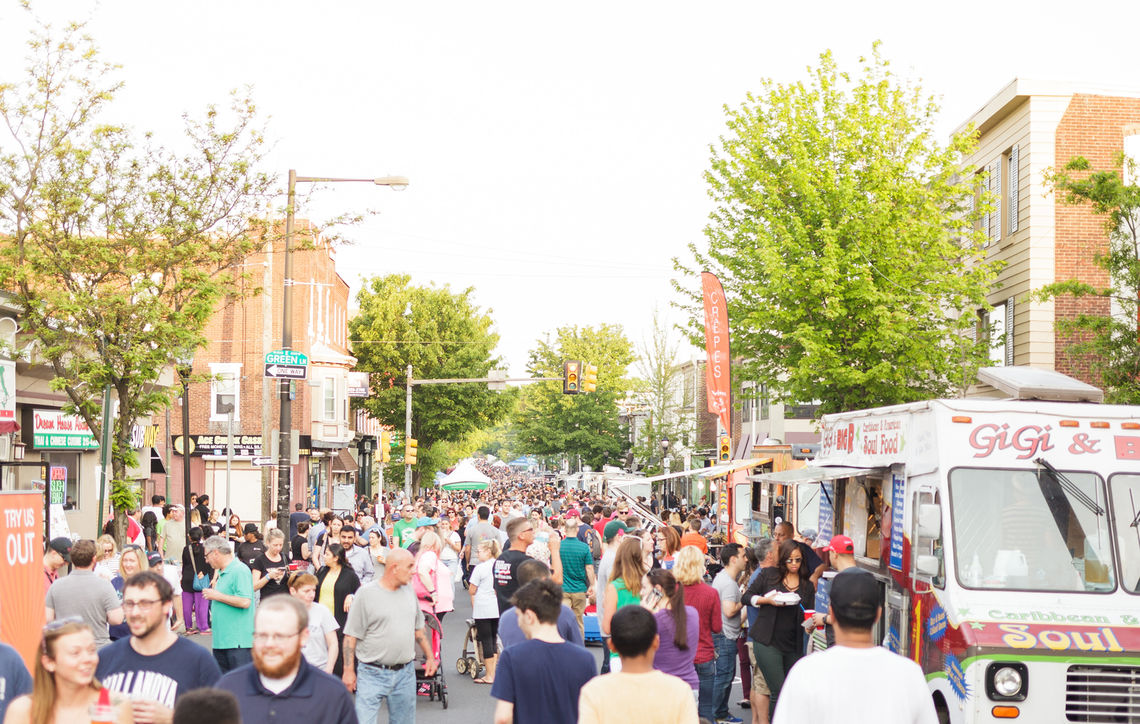 Photo: Roxborough Night Market Crowd Ridge and Green Lane