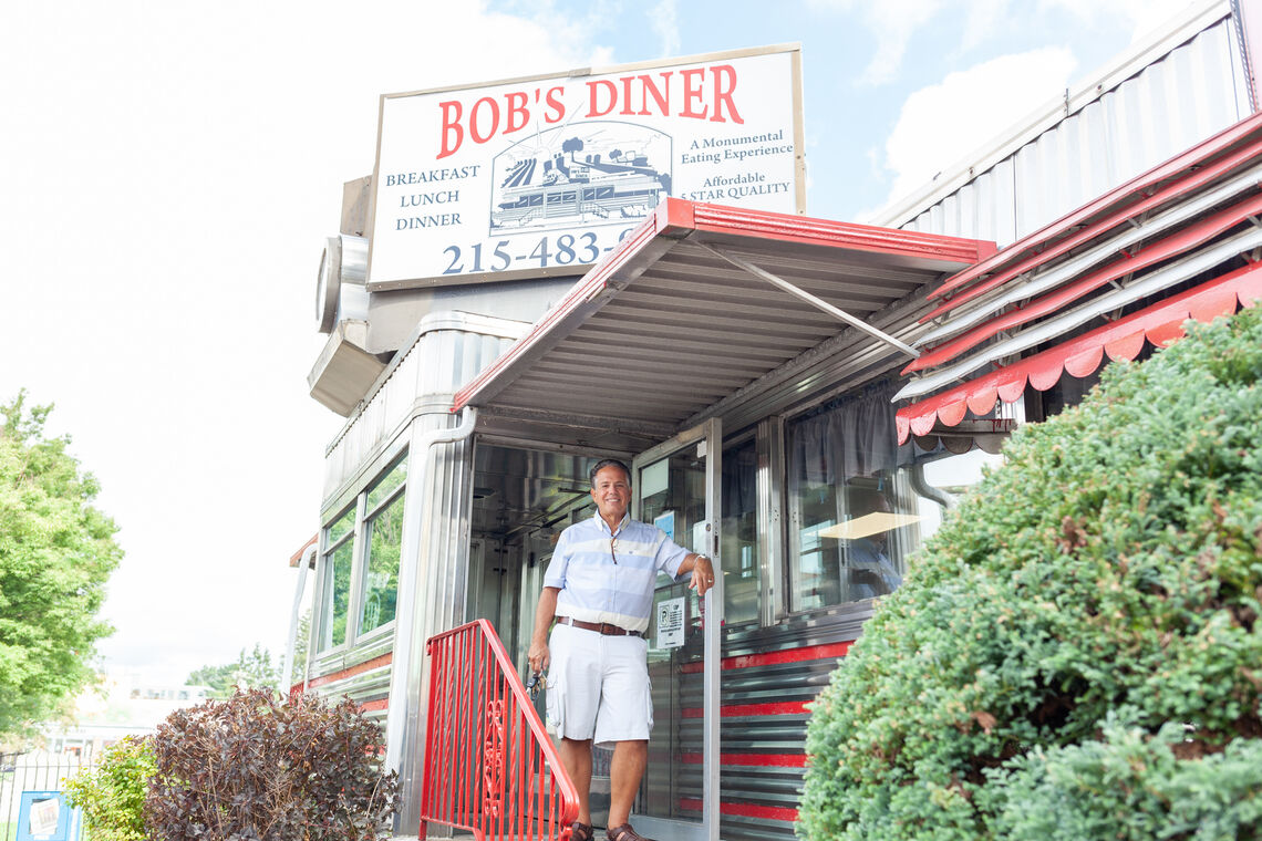Photo: highrez bob s diner 1780