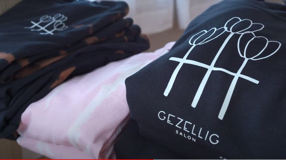 Photo: 2021 04 gezellig merch